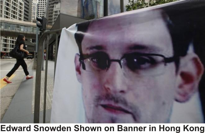 Snowden_banner_in_HongKong