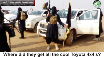 al-Nusra-fighters-w-Toyotas-sm