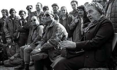 FILER OF GOLDA MEIR VISITING TROOPS ON GOLAN HEIGHTS IN 1973.